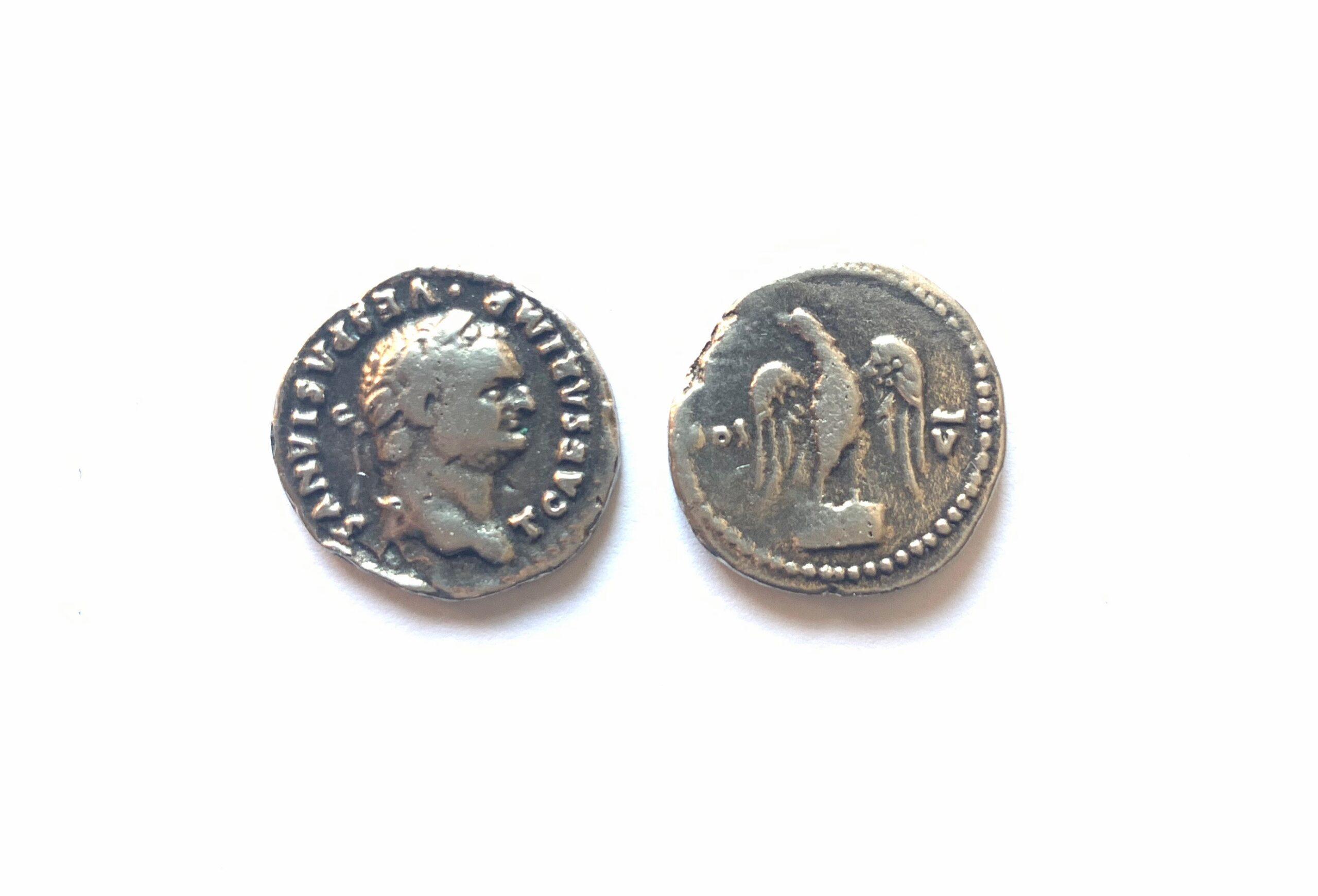 Denario Vespasiano. Águila.